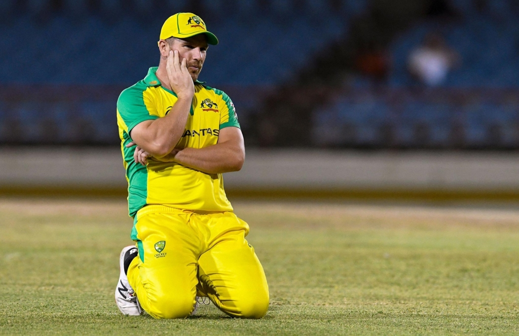 Finch'sknee surgery looms large before T20I World cup