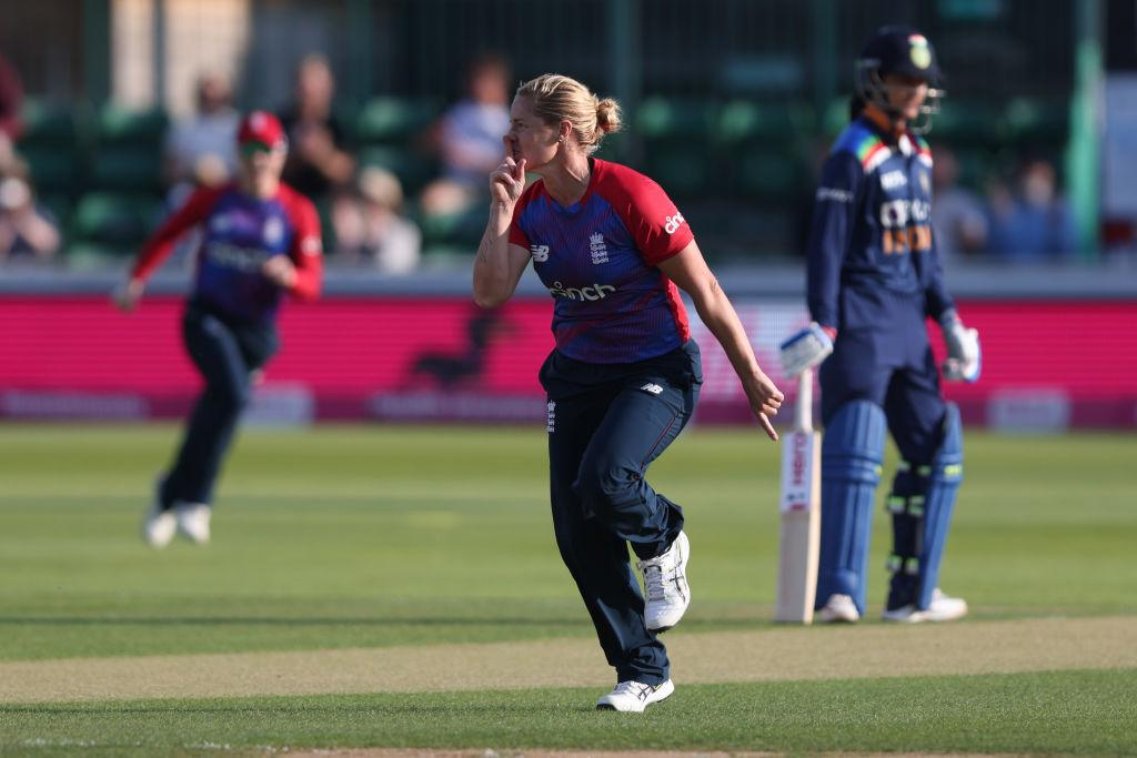 EngW v IndW T20Is: Mandhana's sublime 70 in vain as Eng win series