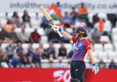 Tammy Beaumont plays a peculiar pull shot in last T20I