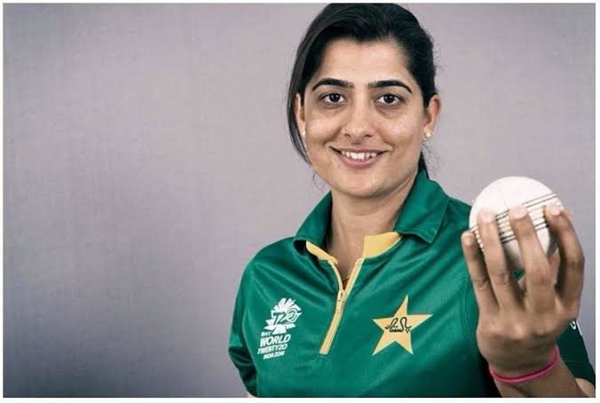 Top 10 most attractive cricketers in women's cricket history