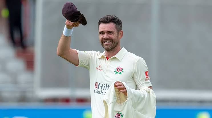 James Anderson completes 1000 first-class wickets with a great bowling