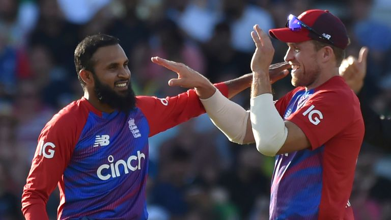 England beat a gallant Pakistan to win a thriller