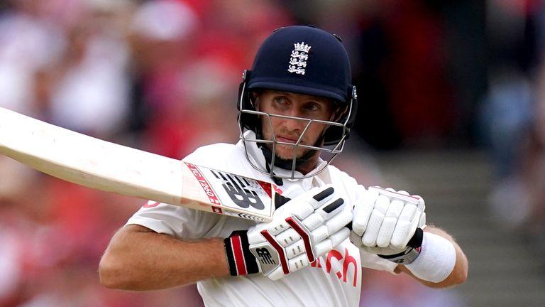 Ind v Eng 2nd test: India make inroads into England batting