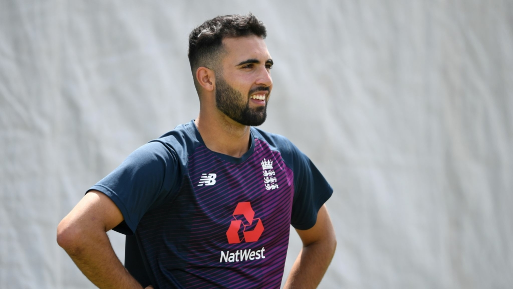 Mark Wood out of 3rd Test due to shoulder injury at Lords